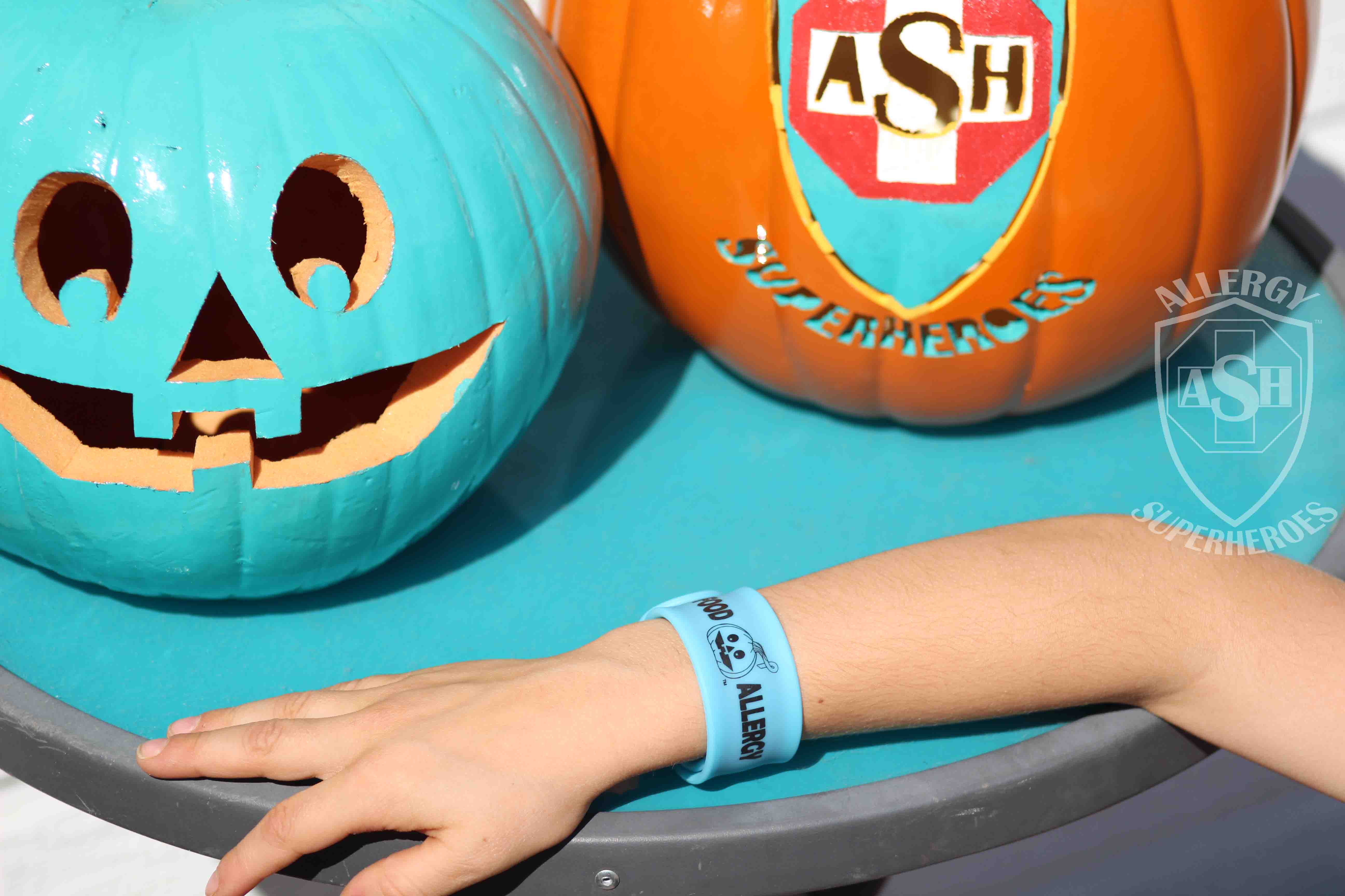 Glow in the Dark Teal Pumpkin Slap Bracelet from Allergy Superheroes